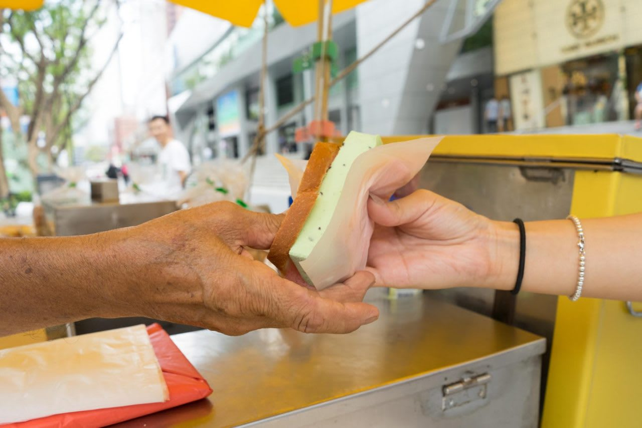 Rainbow bread ice cream