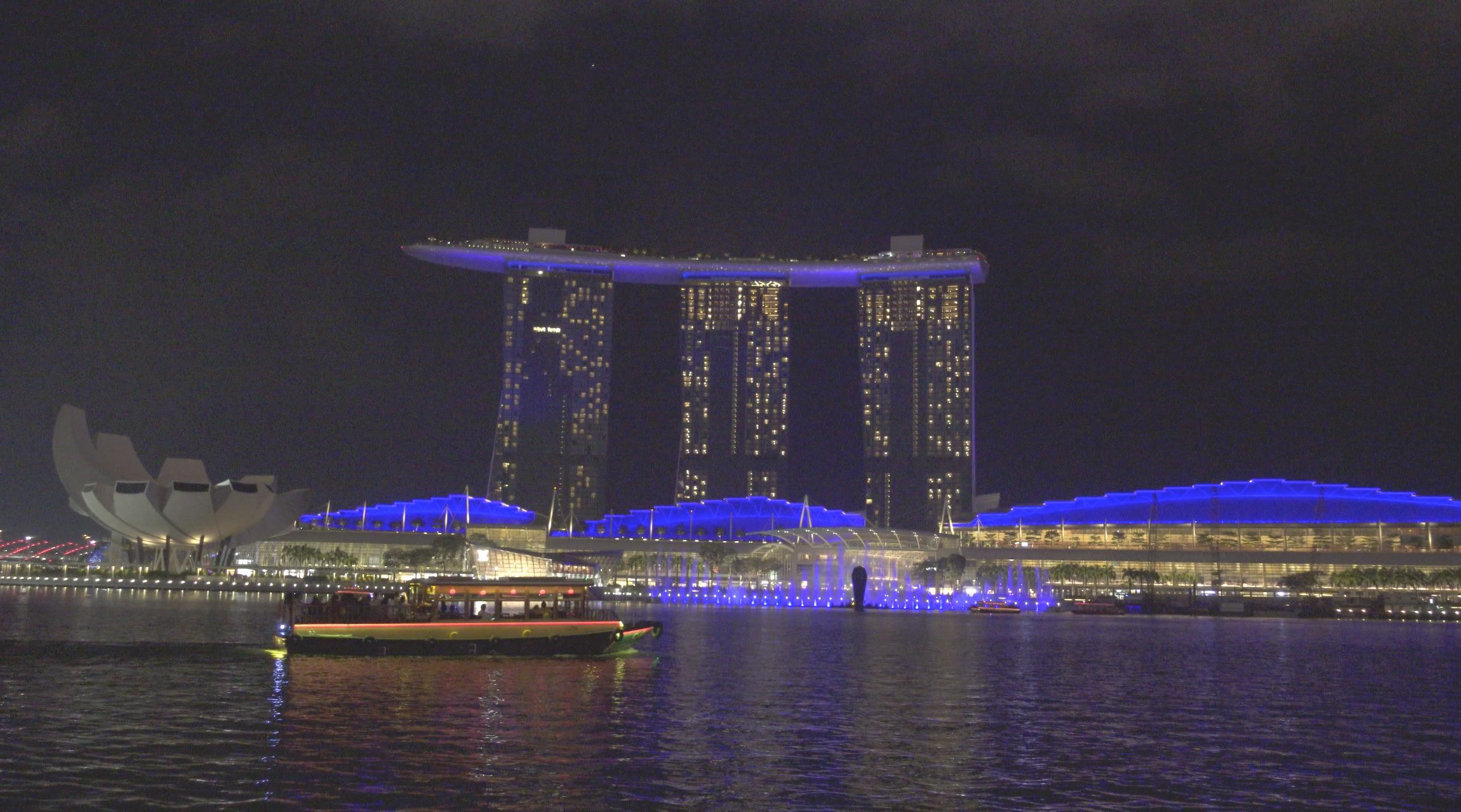 klook singapore gabbi garcia issa pressman singapore river cruise