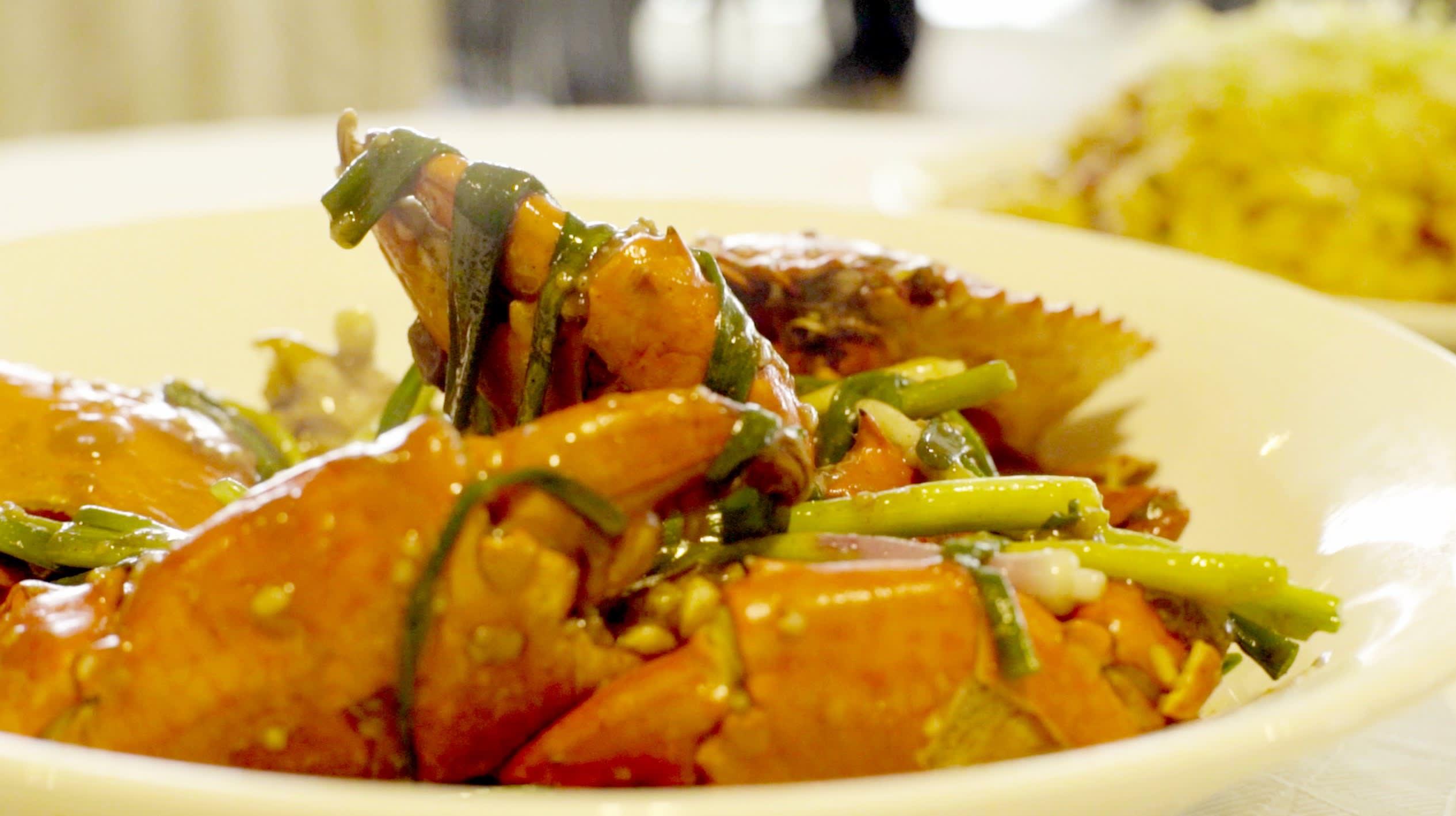 klook singapore gabbi garcia issa pressman no signboard seafood dinner