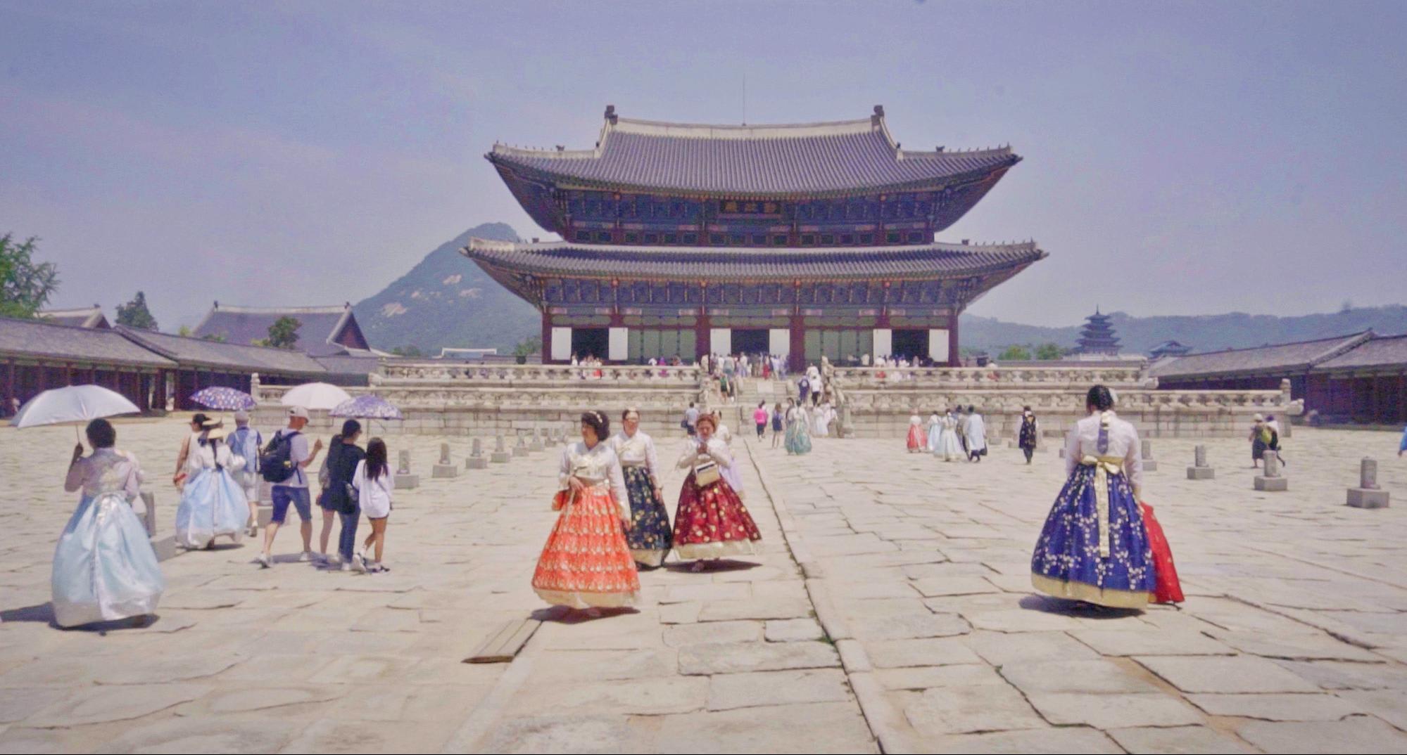 BILLY COLEEN SEOUL SOUTH KOREA GYEONGBOKGUNG PALACE
