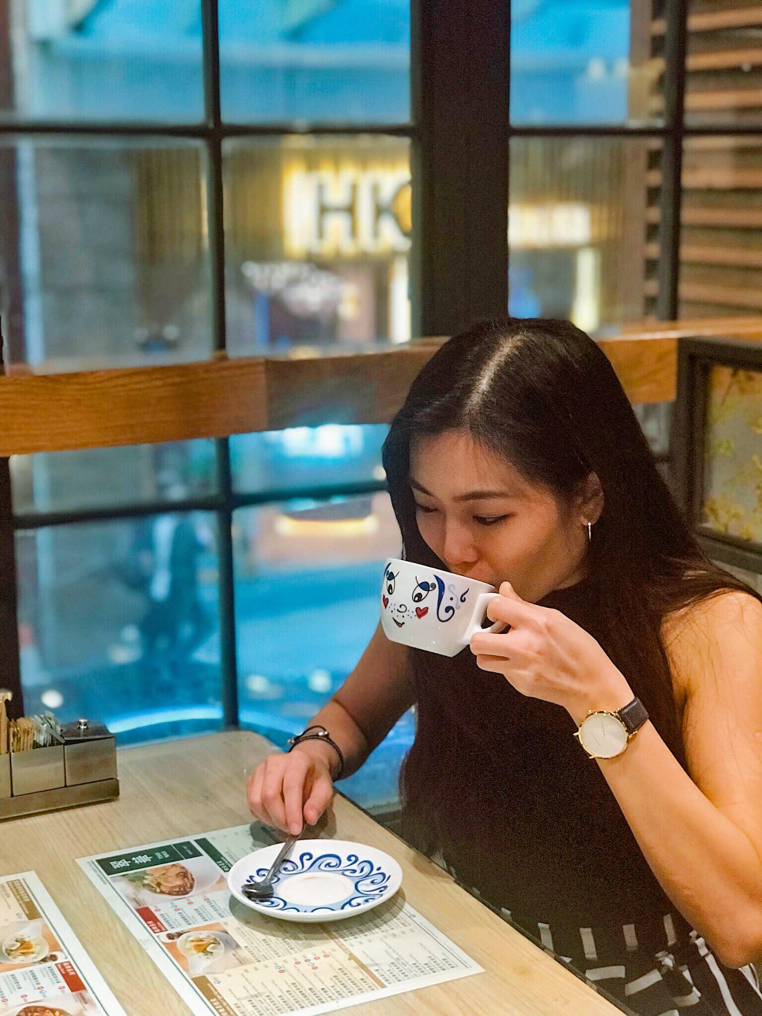 Tsui Wah Cafe Drinking Milk Tea Singapore