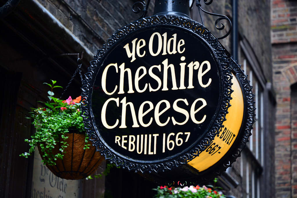 london pubs and bars ye olde cheshire cheese