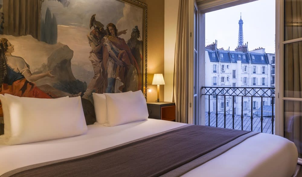 Hotels In Paris You Can Wake Up To Views Of The Eiffel Tower From
