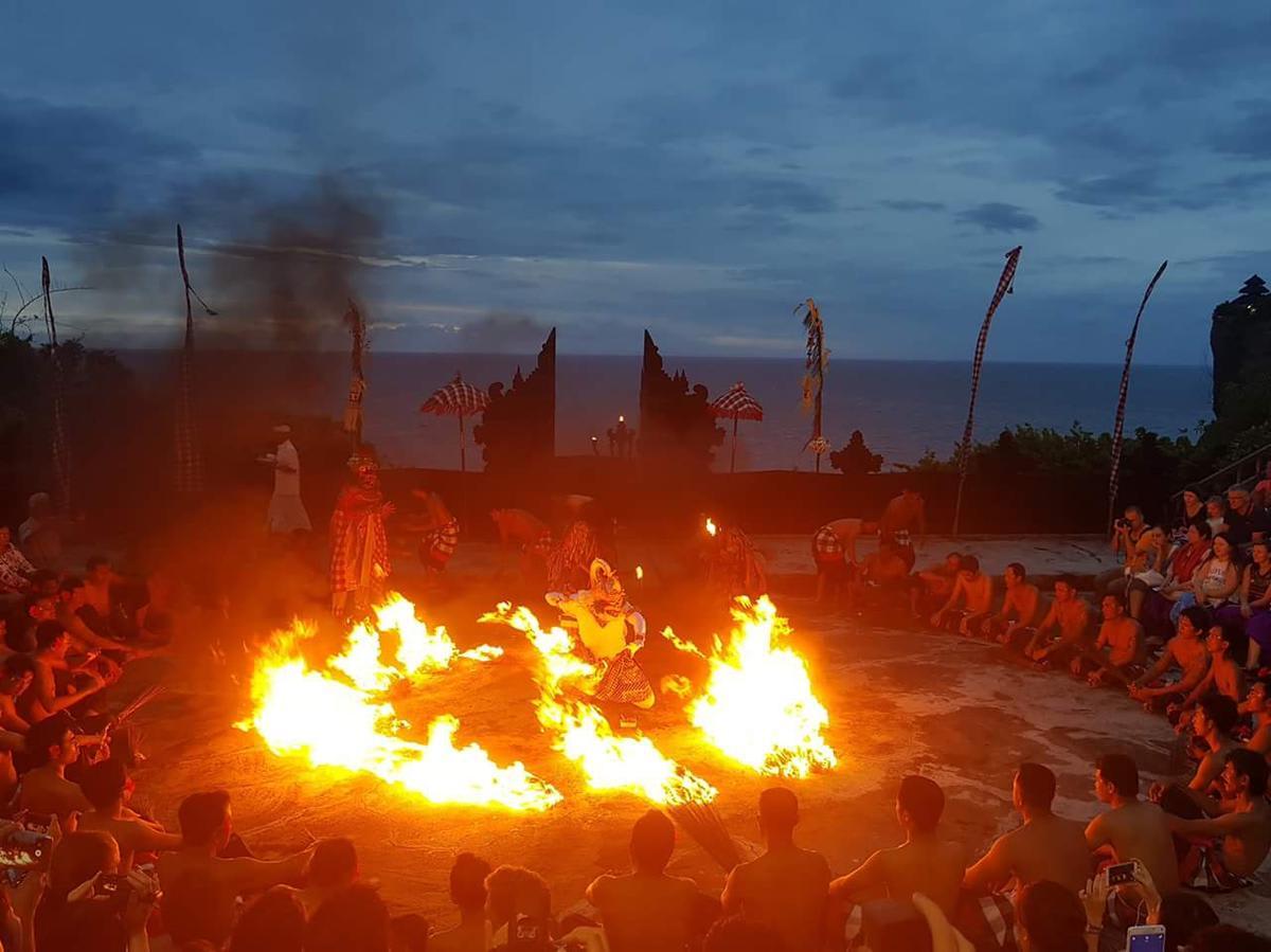 Bali-Uluwatu-Kecak-Dance-Performance