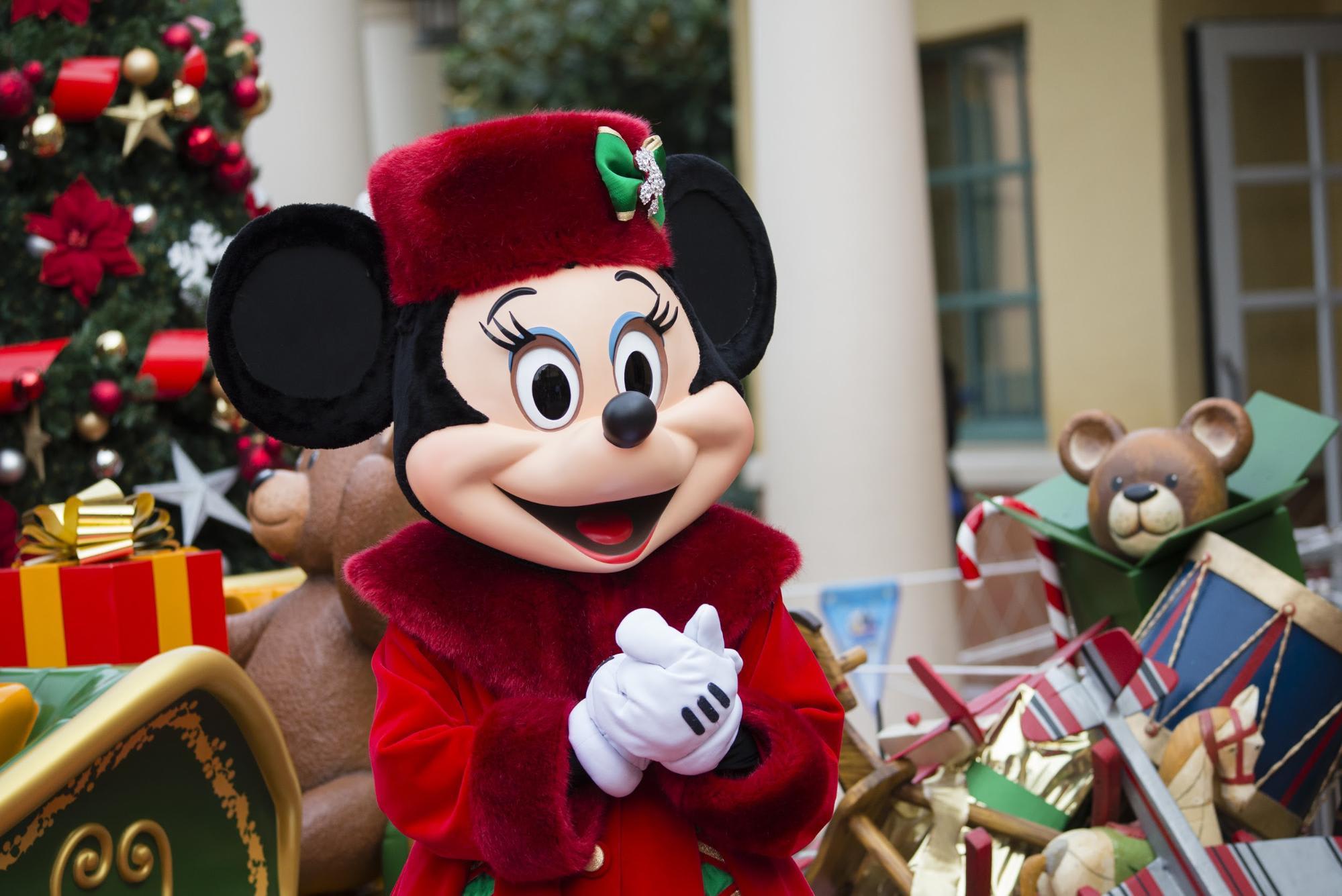 Christmas At Paris Disneyland