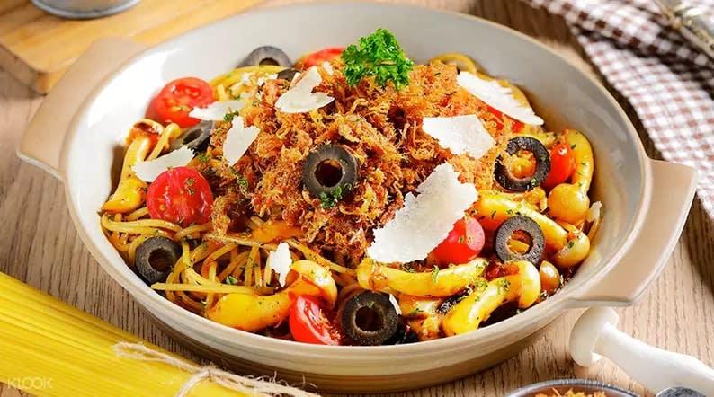 Pasta dish at Salt // Pepper