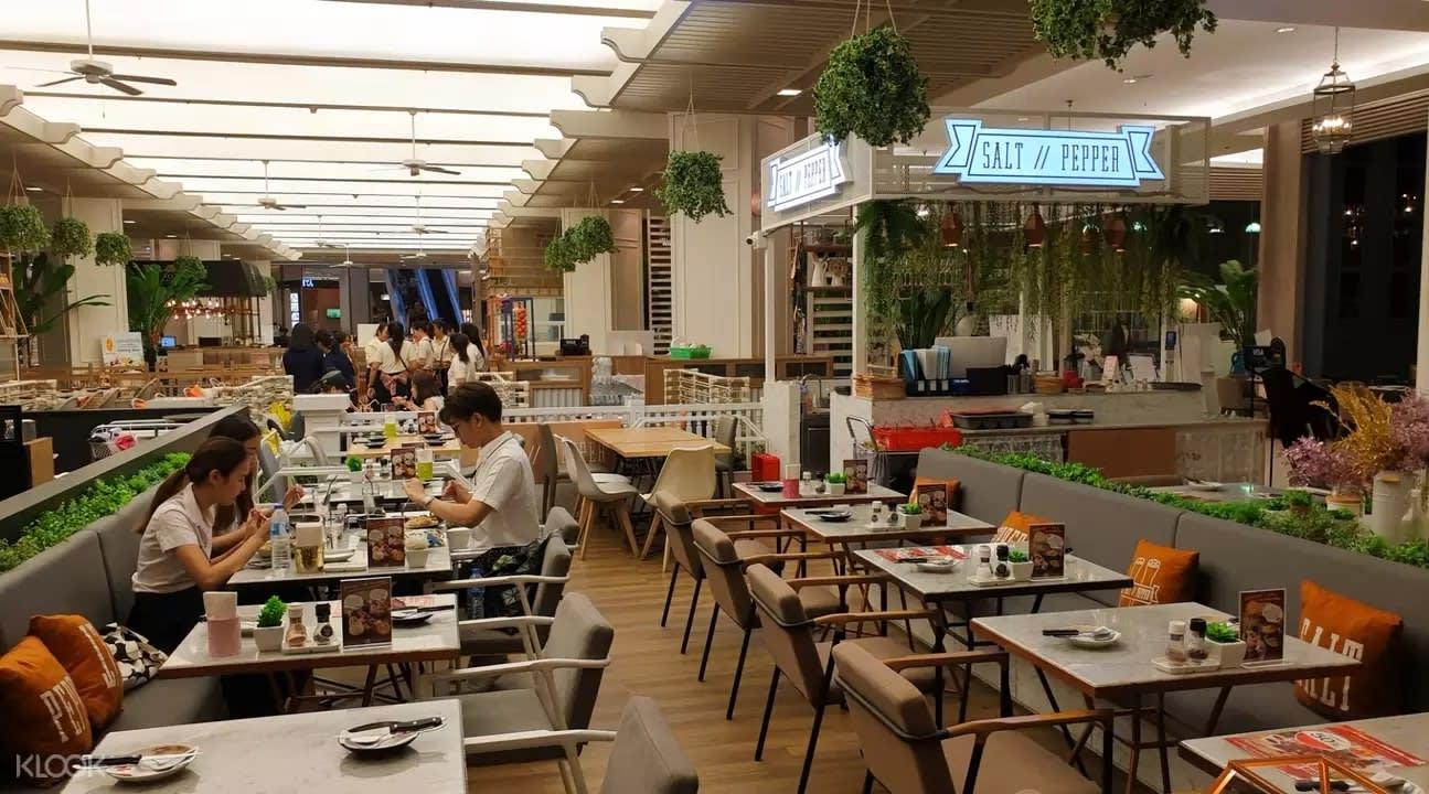 Salt // Pepper cafe interior