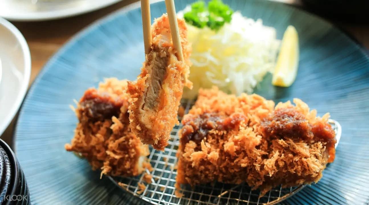 Pork tonkatsu at Maisen in Bangkok