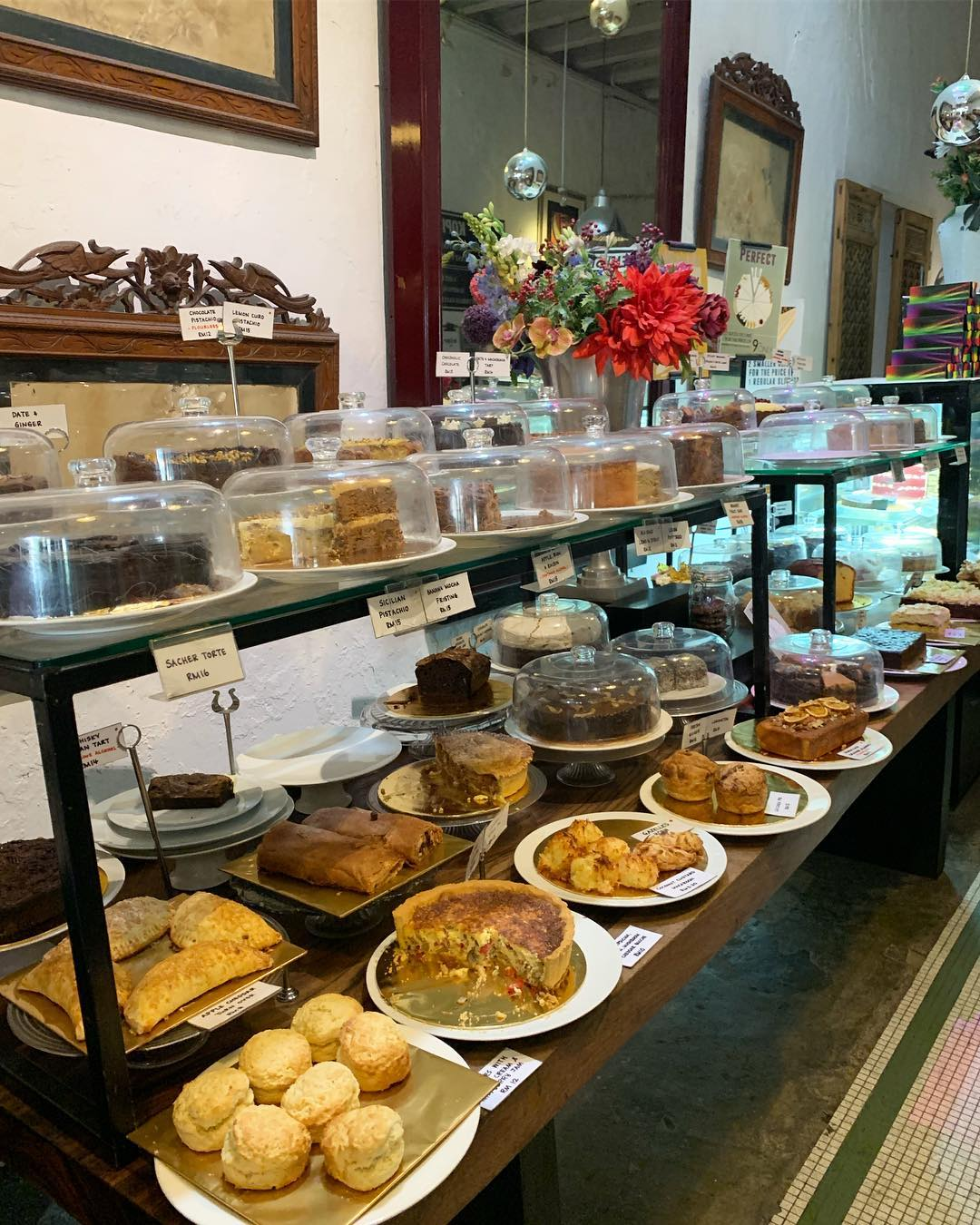 China House with over 50 cakes