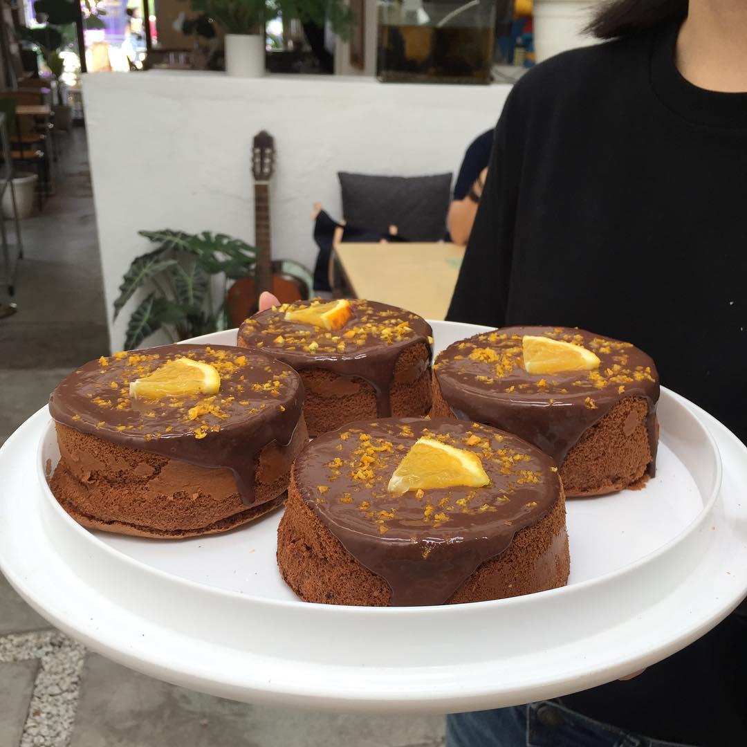 Le Chiffon Cake