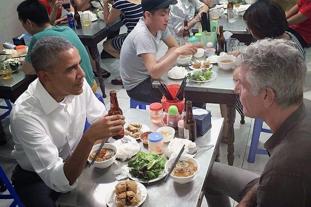 Obama and Bourdain at Bun Cha Huong Lien