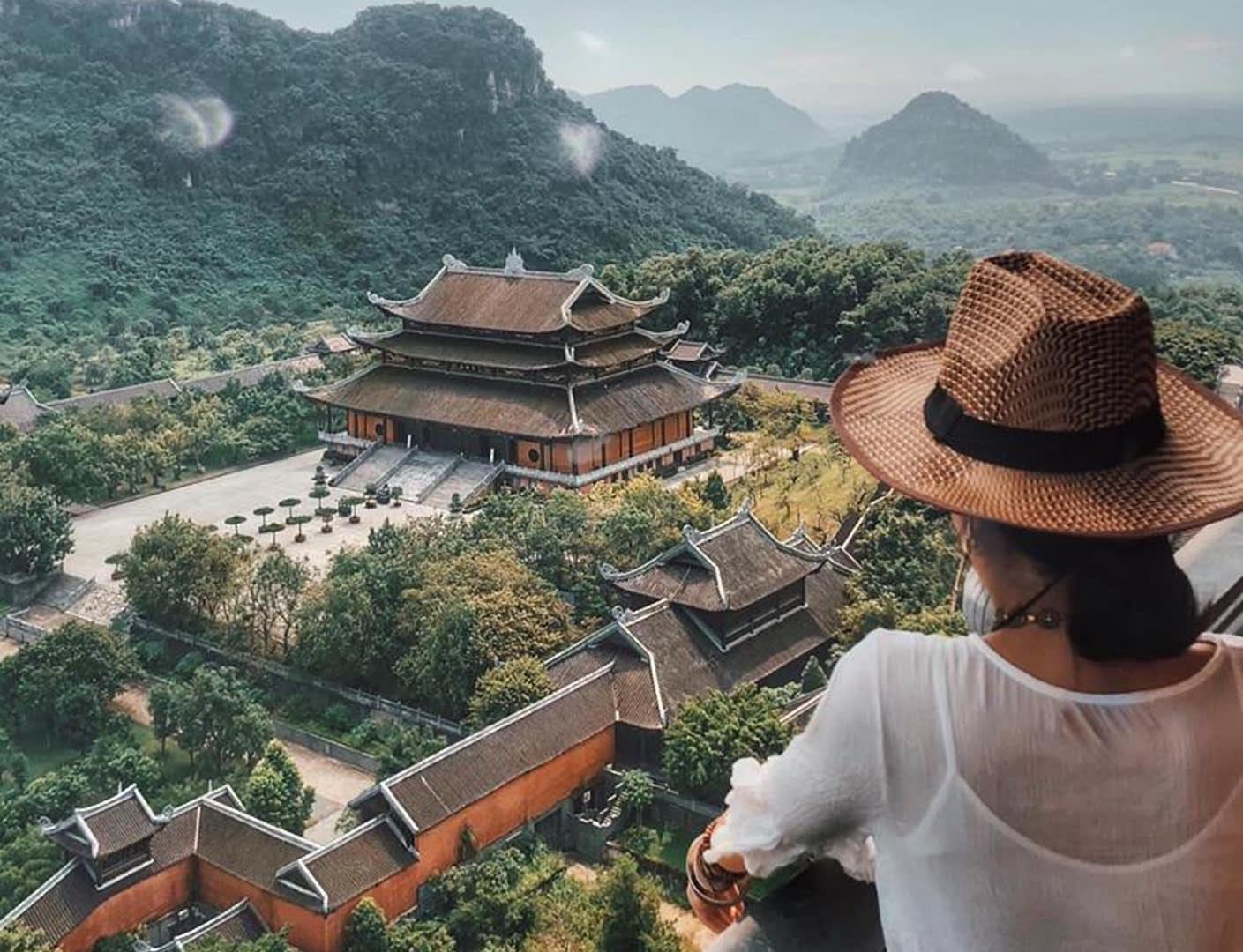 Trang An's pagoda views