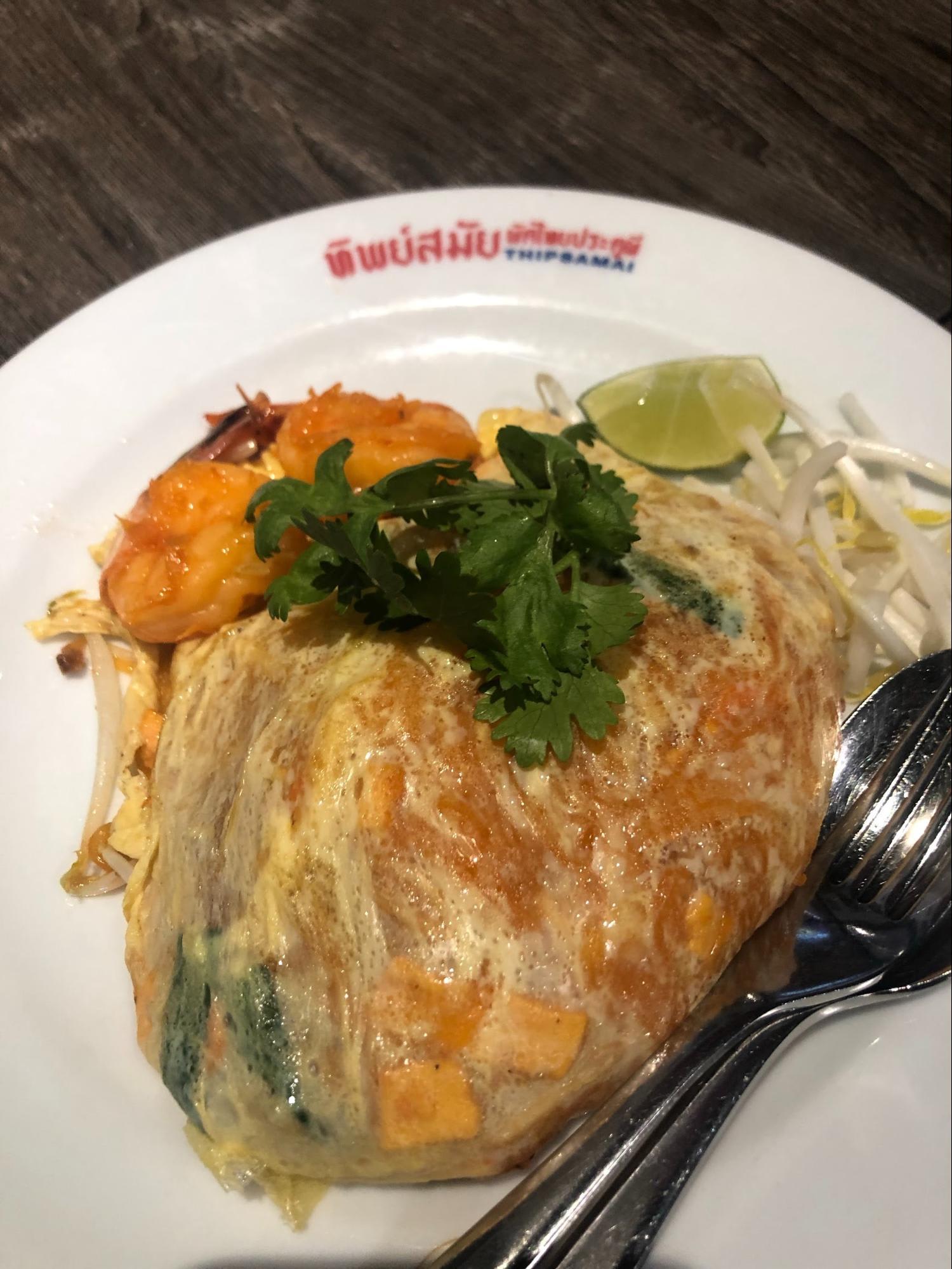 pad-thai-makanan-murah-di-bangkok