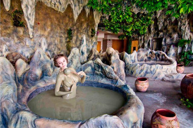 Guide to Vietnam - Nha Trang mud bath