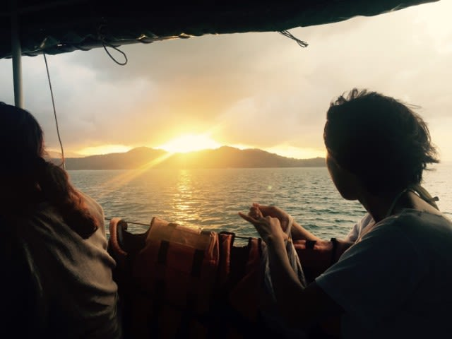 Romantic things to do in Phuket for couples - sunset dinner and canoeing