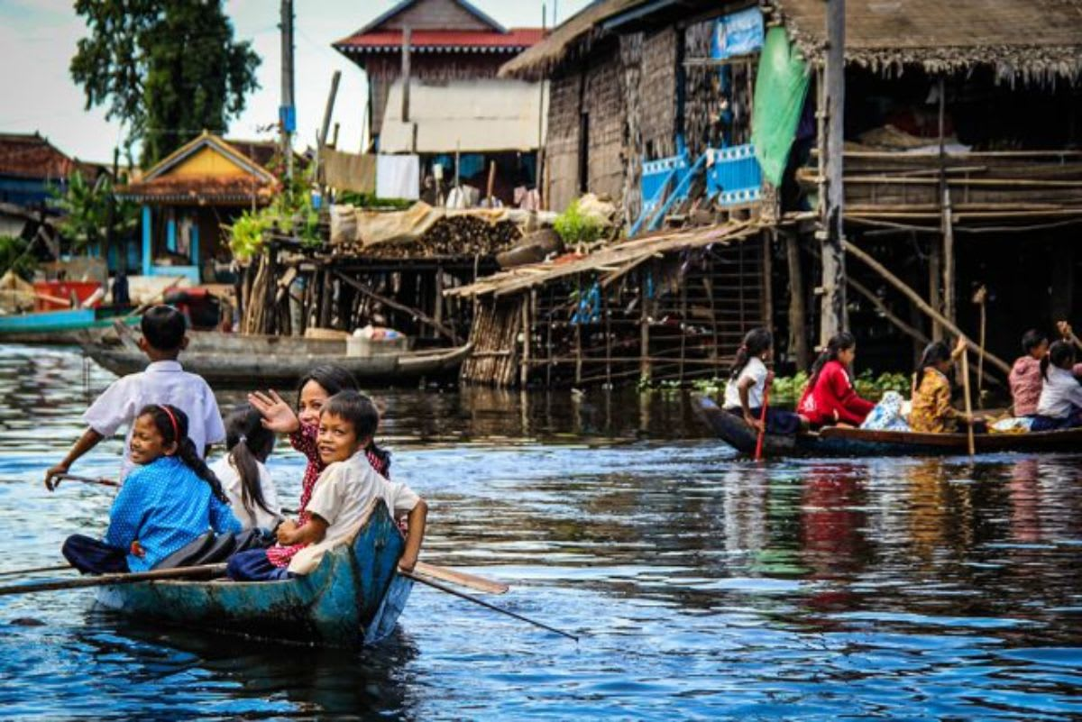 Things-to-do-Cambodia-Siem-Reap-Tonle-Sap-Lake-Floating-Market