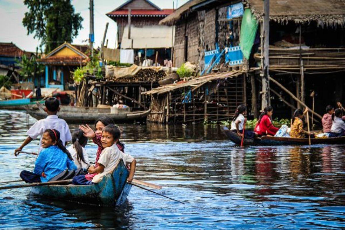 Things-to-do-Cambodia-Siem-Reap-Tonle-Sap-Lake-Floating-Market