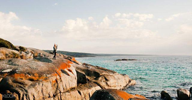 Top things to do in Tasmania Australia - Bay of Fires Tour from Launceston