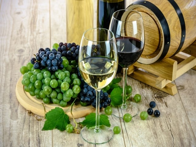Wine Glass White Grapes Drinks