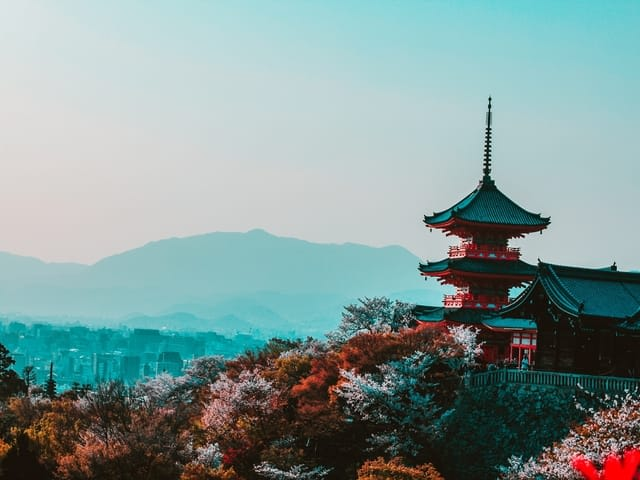 How to get WiFi or a Sim Card in Japan - temple