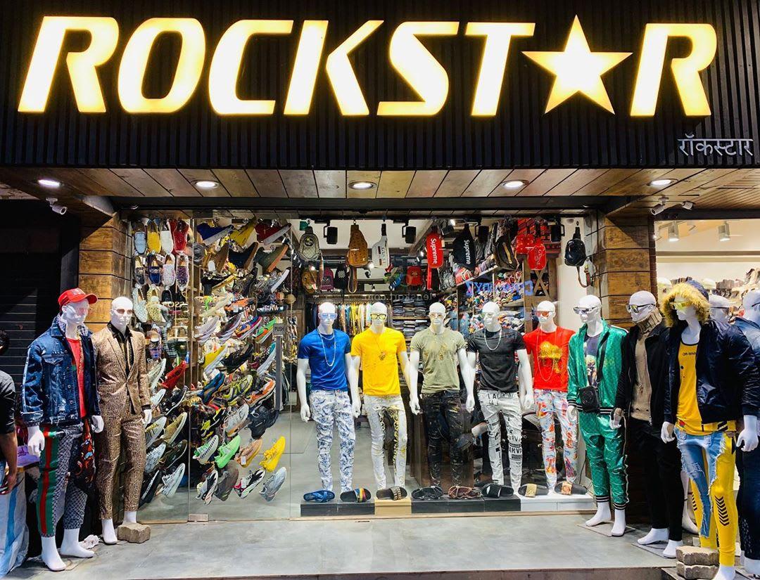 Shops in Lokhandwala, Andheri - Mumbai