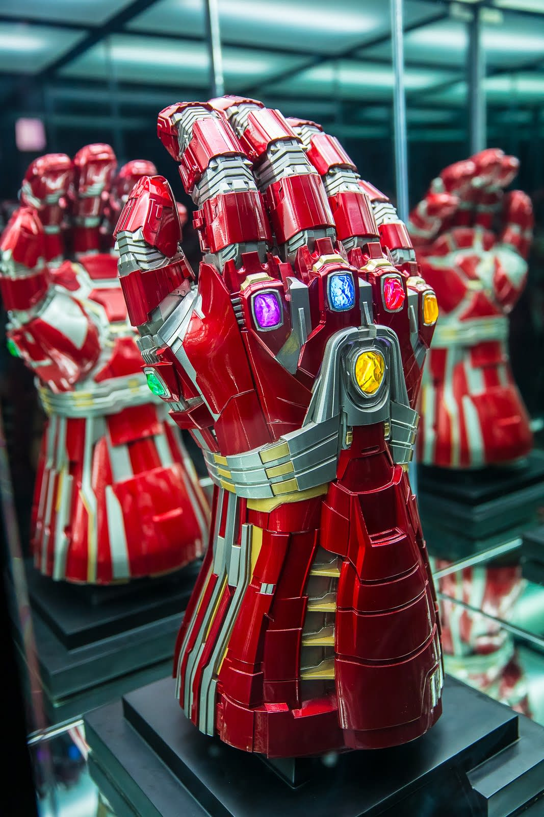 marvel exhibition gauntlet