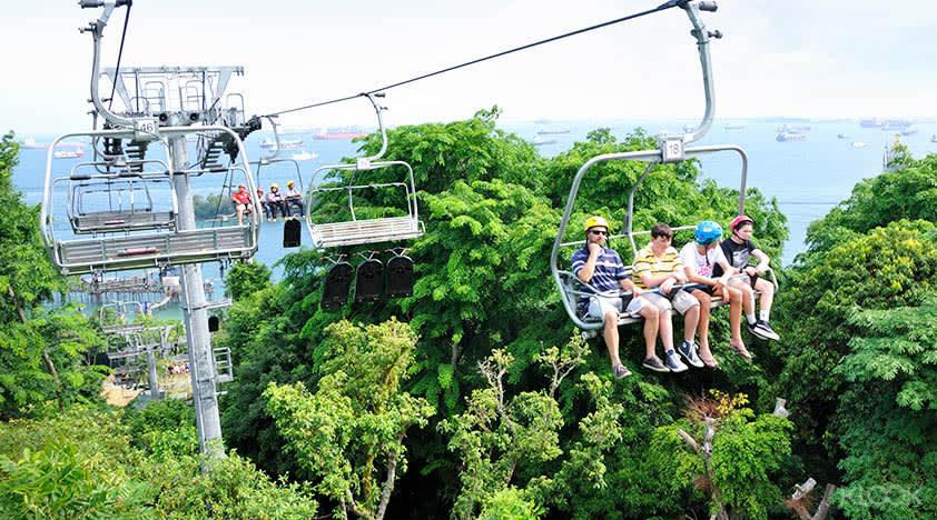 10-activities-families-skyline-luge