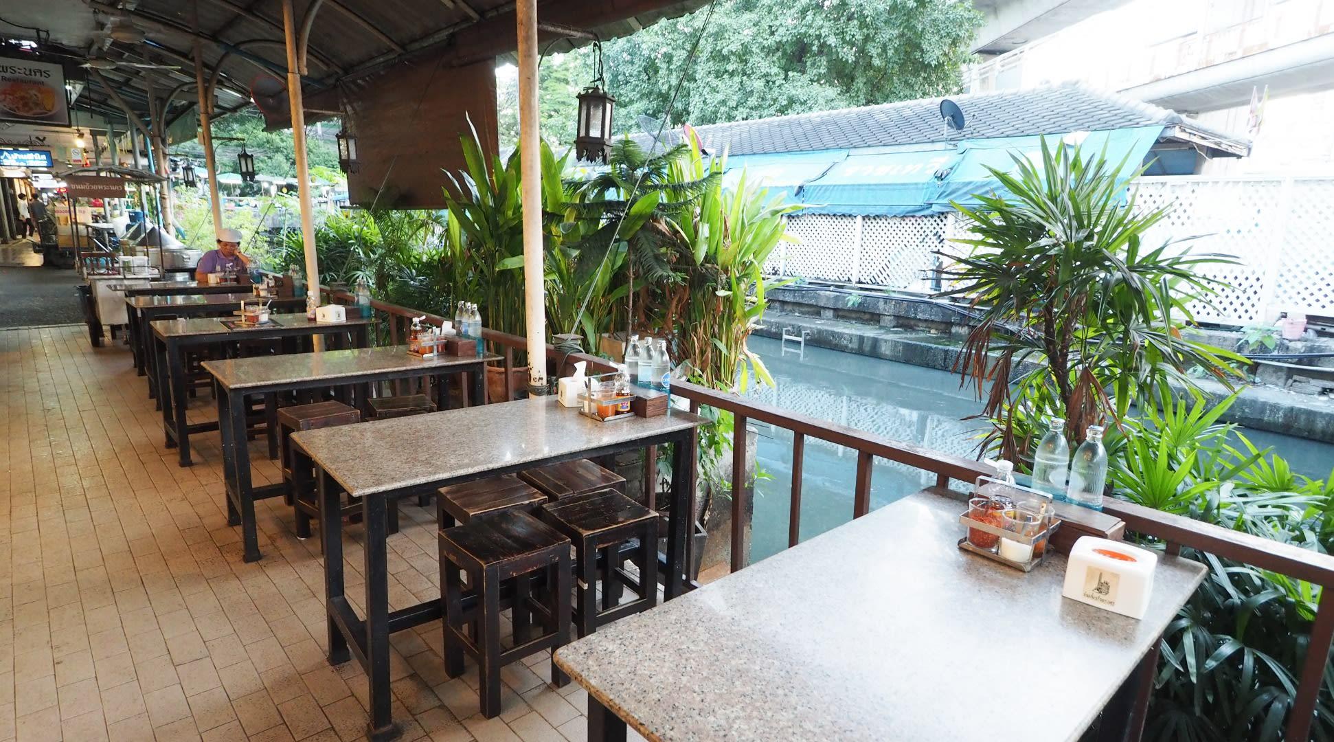 bangkok-BTS-guide-pranakorn-boat-noodles