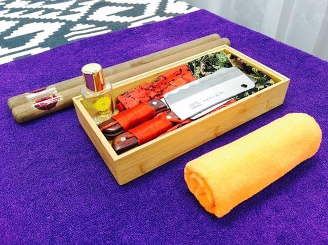taipei-mrt-guide-light-project-knife-massage