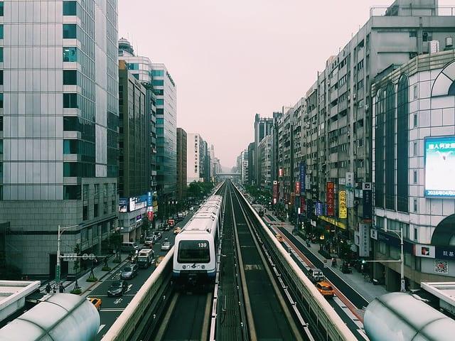 taipei-mrt-guide-train