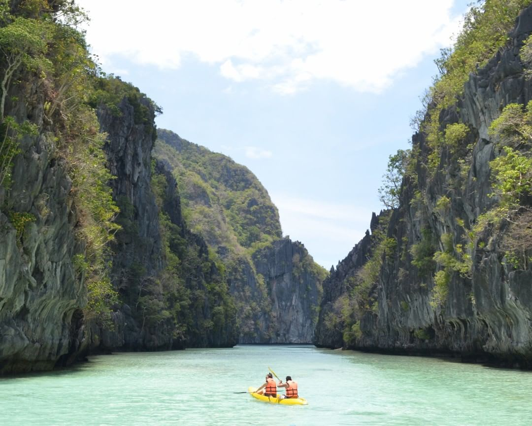 El Nido Palawan Philipines Kayaking 1 1