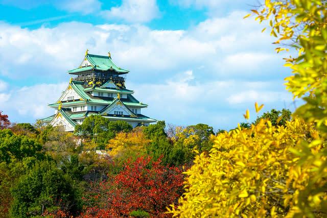 japan-autumn-osaka-castle