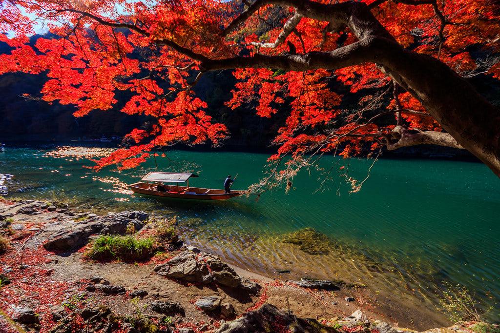 japan-autumn-hozugawa-river