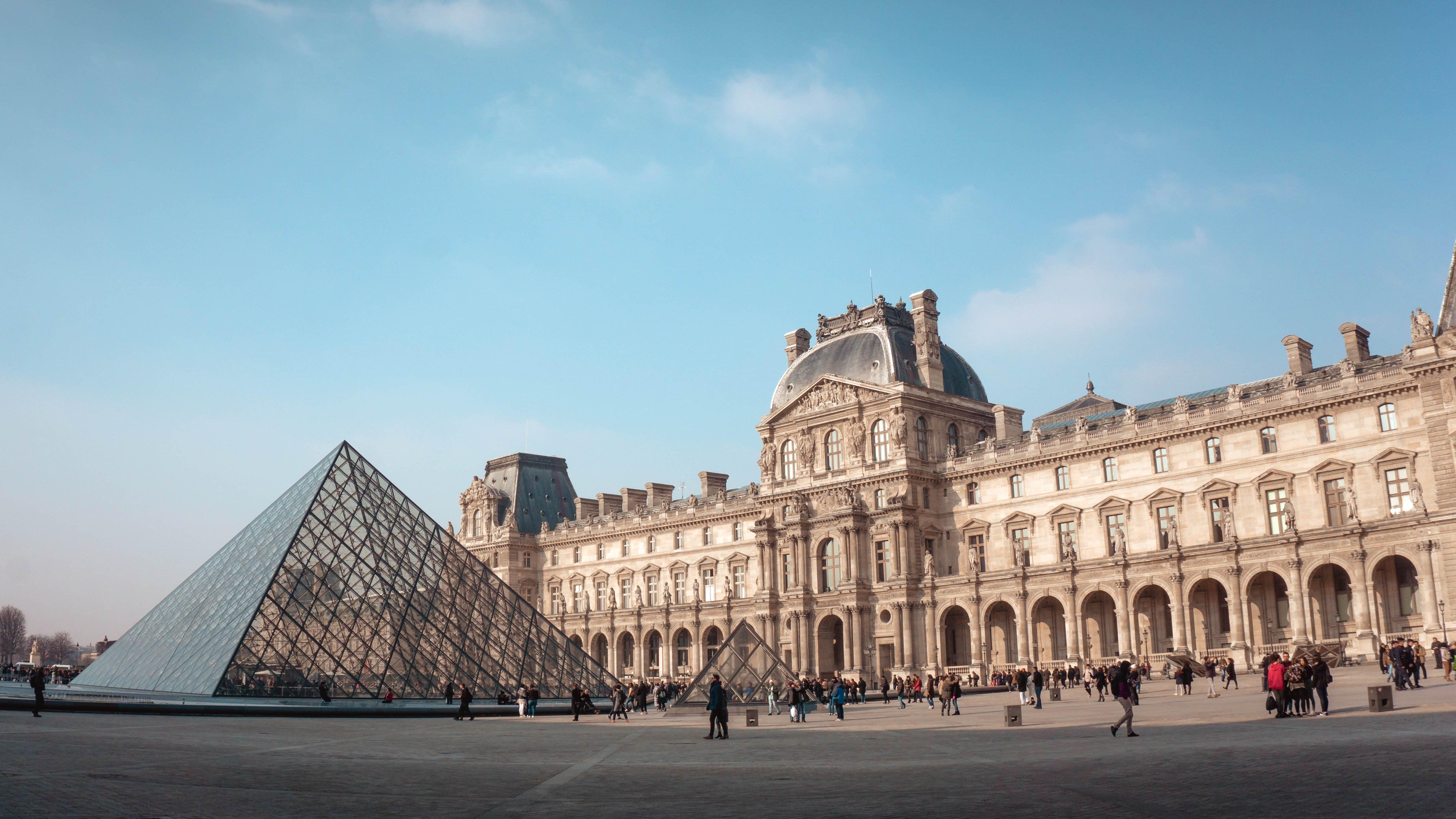 paris-budget-guide-louvre