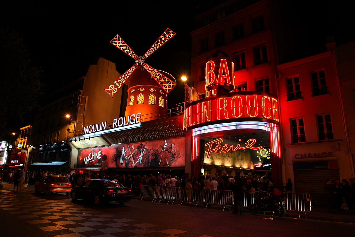paris-budget-guide-moulin-rouge