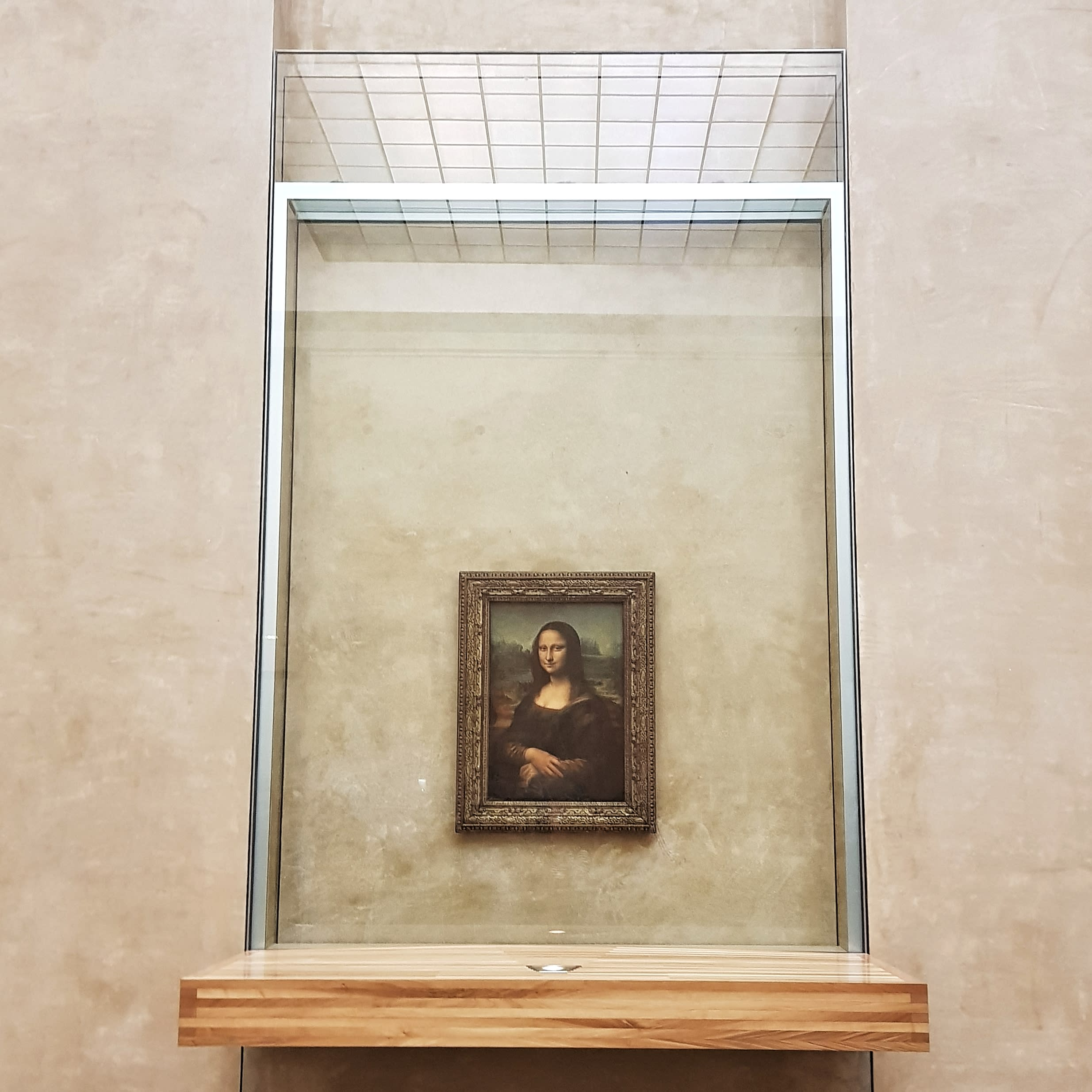 paris-budget-guide-mona-lisa