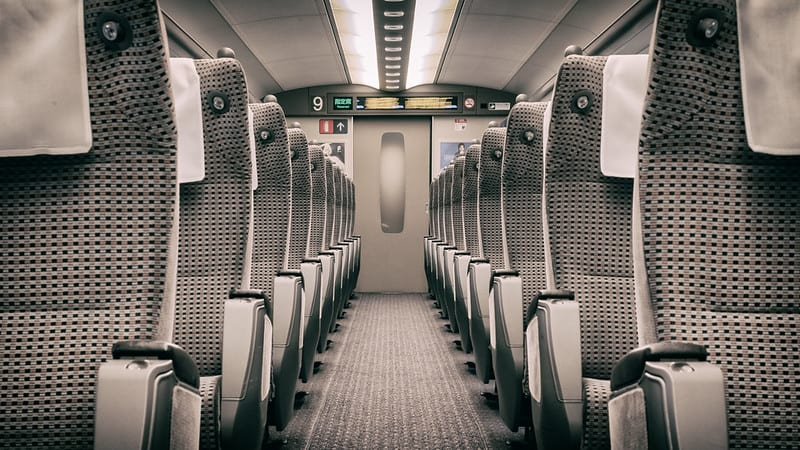 shinkansen-luggage-seats