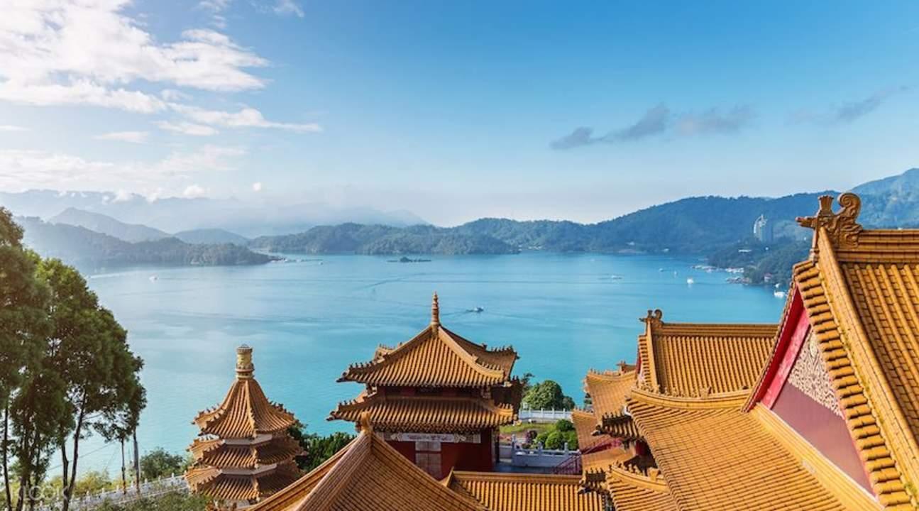 day-tours-taipei-wenwu-temple