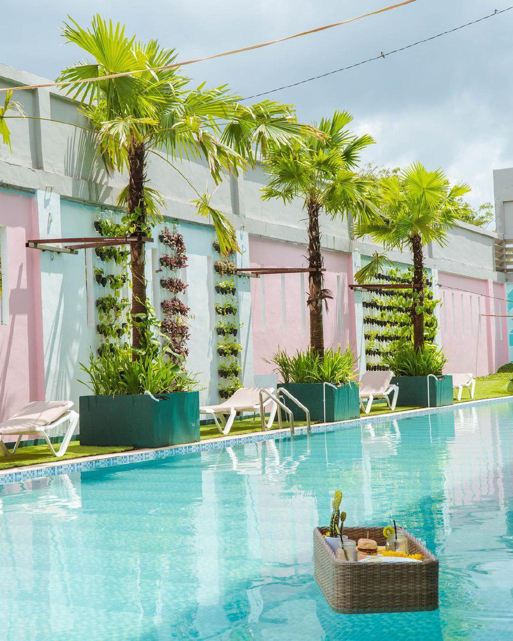 not-resort-batam-pool-club