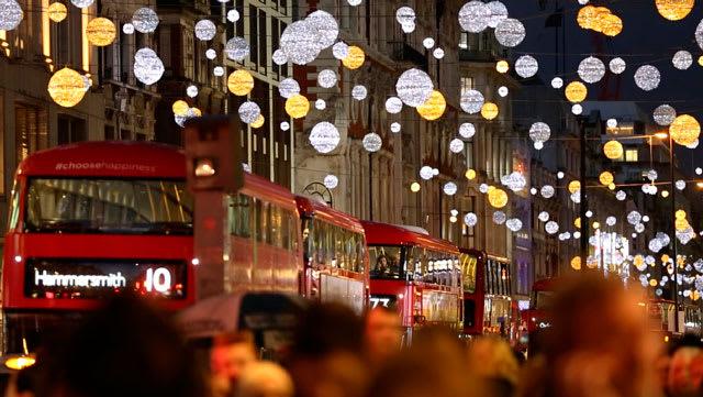 London-Winter-Festival-Christmas-Lights-Tour