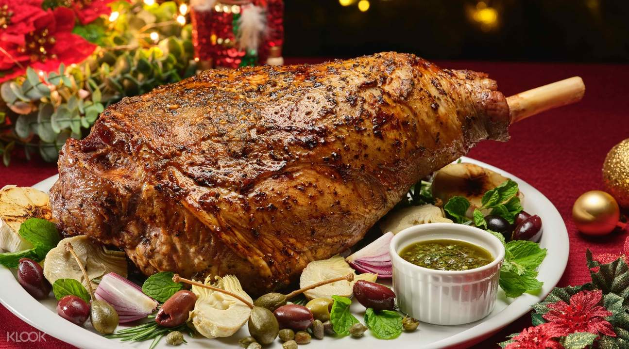 christmas-feast-marriott-tang-plaza-hotel