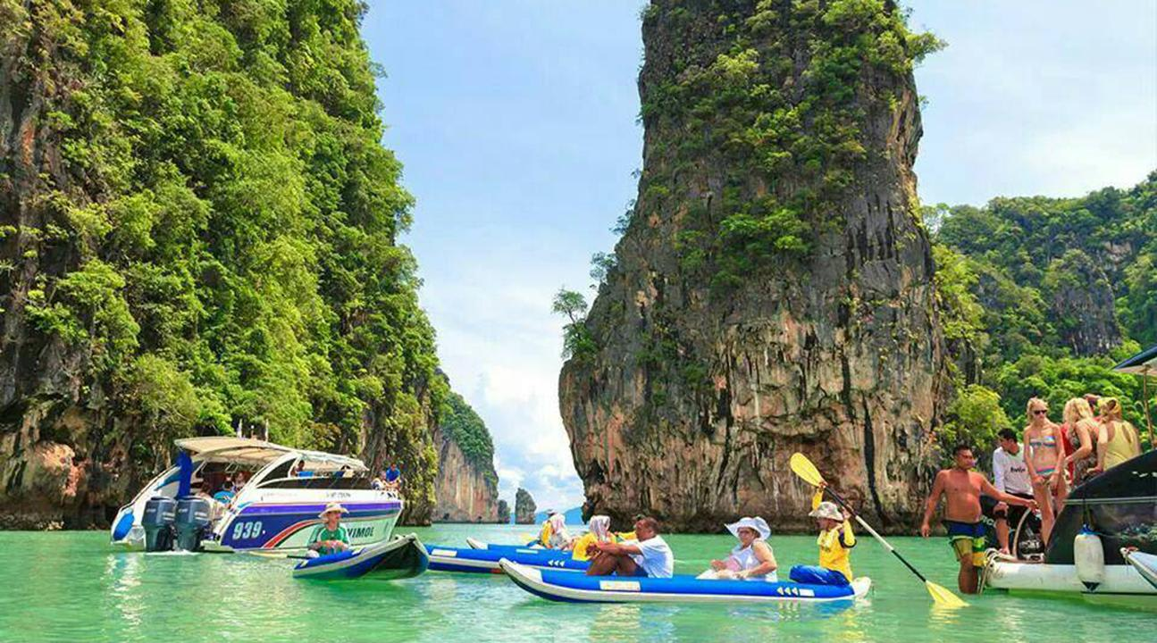 How-To-Enjoy-A-Klook-It-Yourself-Holiday-In-Phuket-big-boat-tour