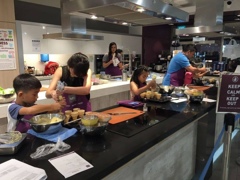 10-Activities-You-Need-to-Do-With-Your-Families-In-Singapore-tott