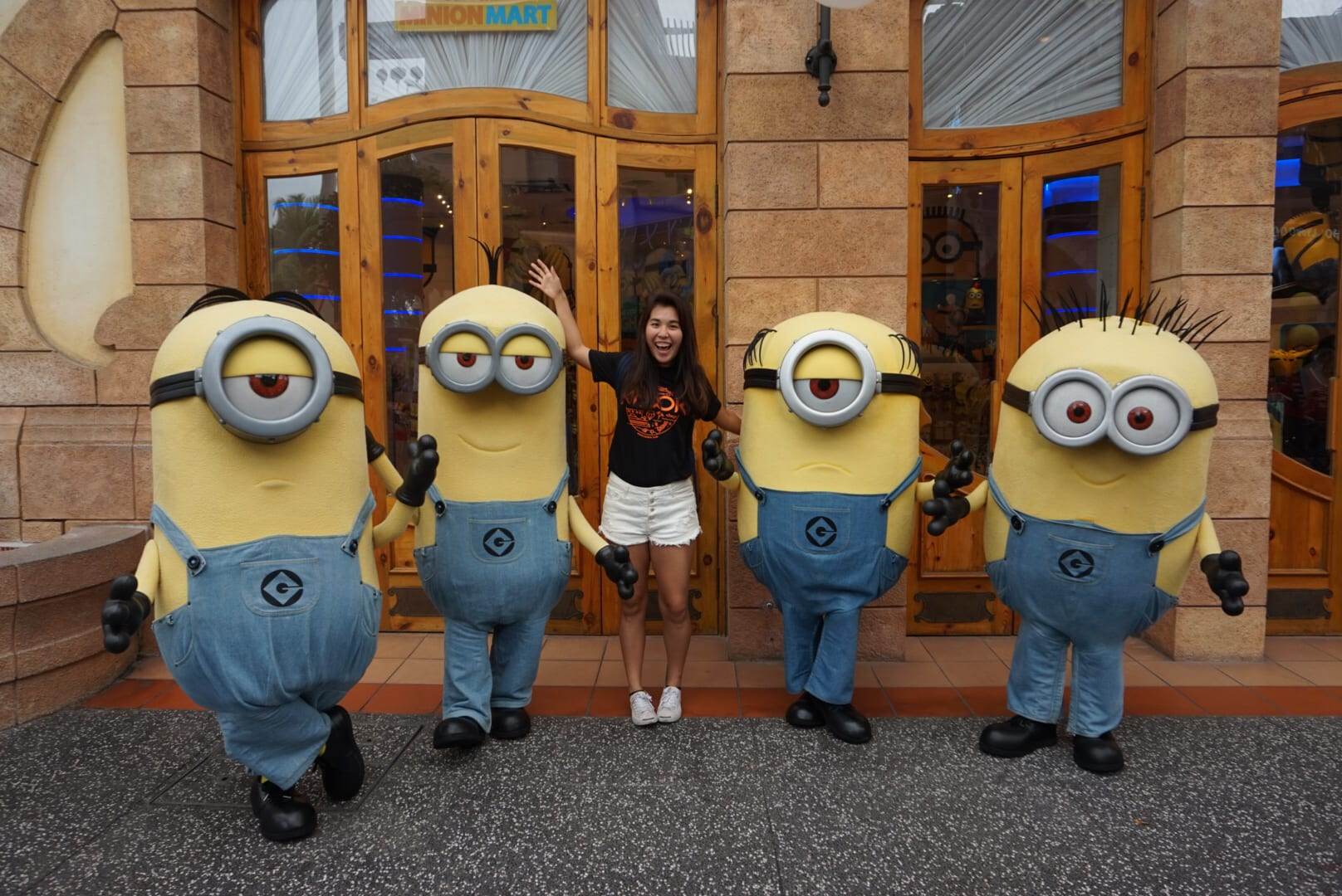 10-Activities-You-Need-to-Do-With-Your-Families-In-Singapore-USS-minions