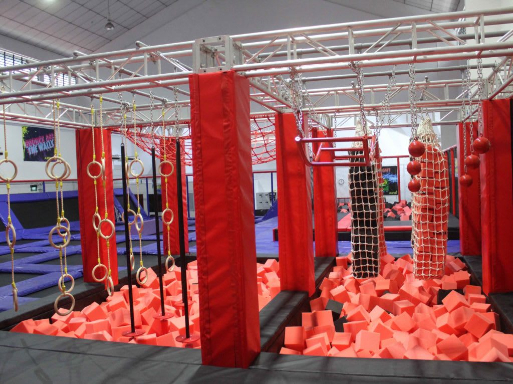 10-Activities-You-Need-to-Do-With-Your-Families-In-Singapore-Trampoline-Park-Singapore