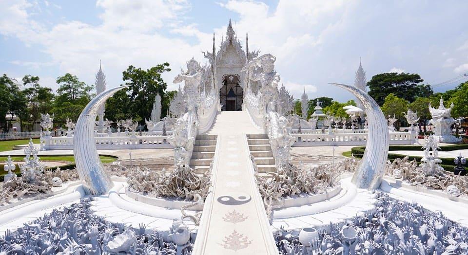 Klook-Bizarre-Experiences-White-Temple