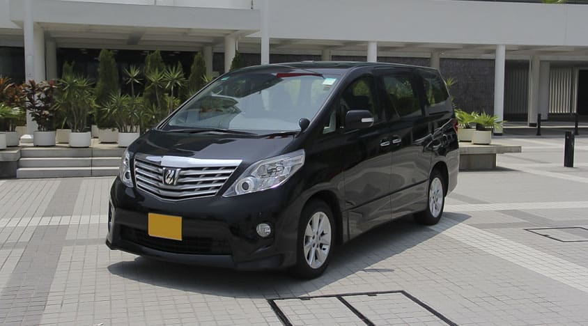 Hong Kong Airport Transfer Toyota Minivan Private Transfer