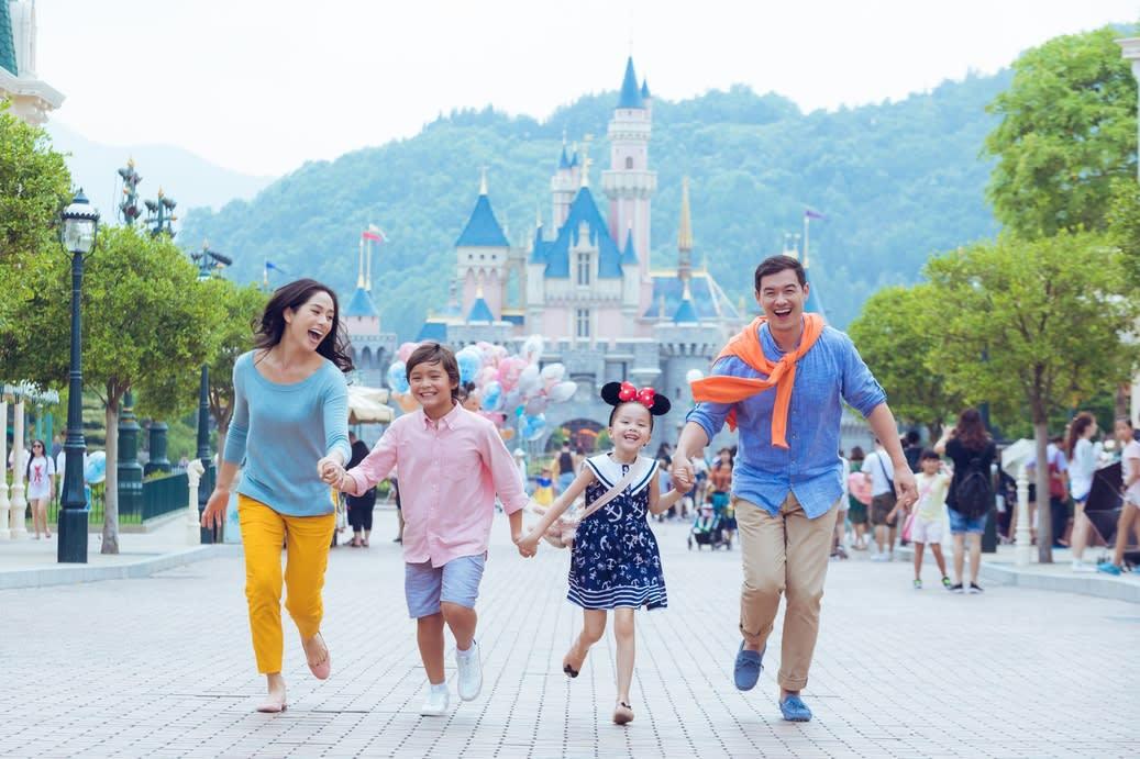 EOY-Hong-Kong-HKDL