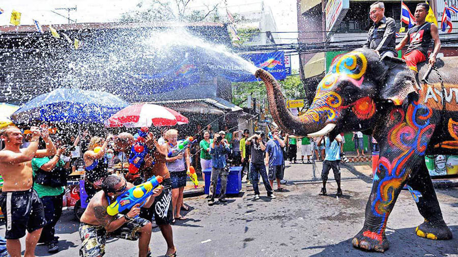 How-To-Enjoy-A-Klook-It-Yourself-Holiday-In-Phuket-songkran