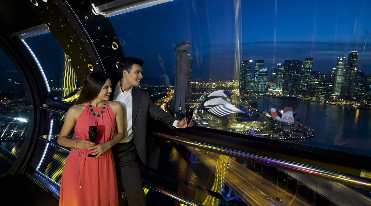 5-things-to-do-aboard-asia's-largest-wheel-champagne